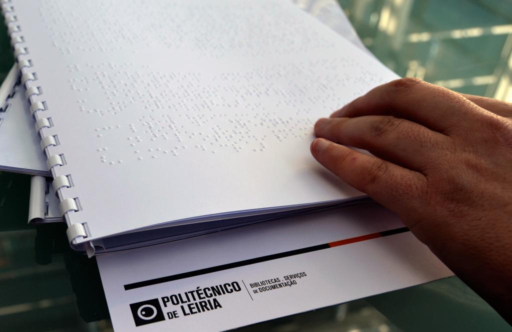Guia do Utilizador em Braille